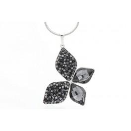 Luxusní motýl zdobený křišťálovými kameny od společnosti Swarovski®